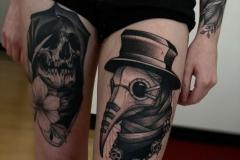 Татуировка : Череп, Демон на бедре