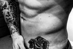 Тату : Роза, Цветы на животе