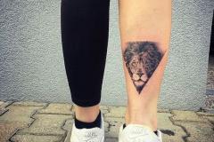 Тату : Животные, Лев на голени (икре)