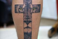 Татушка : Животные, Лев, Крест на голени (икре)