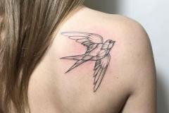 Татуировка : Птицы, Ласточка на лопатке