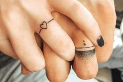Татушка : Сердце, Кольцо на пальцах