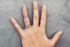 Татуировка : Узор, Кольцо на пальцах