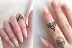Татуировка : Сердце, Огонь на пальцах