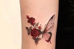 Наколка : Цветы, Цветные, Роза, Бабочка на плече