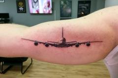 Татуировка : Самолет на плече