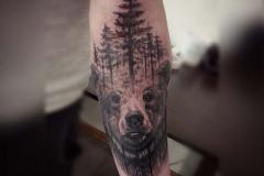 Татуировка : Медведь, Деревья на предплечье