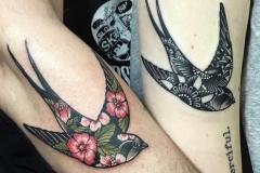 Татуировка : Птицы, Ласточка, Цветные, Парные на предплечье