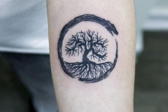 Наколка : Деревья на предплечье