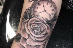 Тату : Время, Роза, Цветы на предплечье