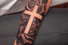 Татушка : Крест, Роза, Цветы на предплечье