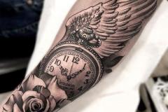 Наколка : Время, Крылья, Роза, Цветы, Рукав на предплечье