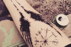 Татуировка : Крылья, Руны на предплечье