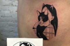 Наколка : Животные, Люди, Кошка на ребрах