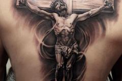 Татуировка : Люди, Боги на спине